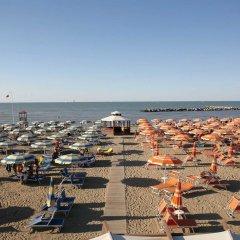 Hotel Savini Римини пляж
