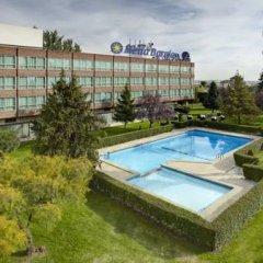 Отель Meliá Barajas Испания, Мадрид - отзывы, цены и фото номеров - забронировать отель Meliá Barajas онлайн бассейн фото 3