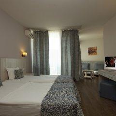 Slavey Hotel комната для гостей