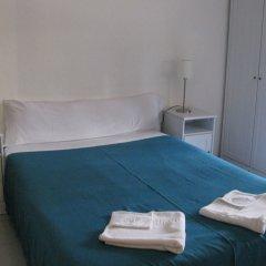 Отель Hostal Elkano Барселона комната для гостей фото 2