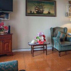 Отель Montego Bay Club Resort Ямайка, Монтего-Бей - отзывы, цены и фото номеров - забронировать отель Montego Bay Club Resort онлайн интерьер отеля фото 2