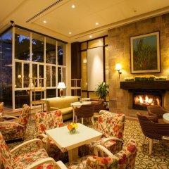 Отель Taal Vista Hotel Филиппины, Тагайтай - отзывы, цены и фото номеров - забронировать отель Taal Vista Hotel онлайн интерьер отеля