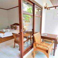 Отель First Bungalow Beach Resort Таиланд, Самуи - 6 отзывов об отеле, цены и фото номеров - забронировать отель First Bungalow Beach Resort онлайн балкон