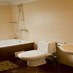 Отель Bizev Hotel Болгария, Банско - отзывы, цены и фото номеров - забронировать отель Bizev Hotel онлайн ванная