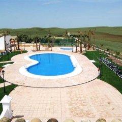 Отель Cortijo de Ducha Испания, Пуэрто Де Санта Мария - отзывы, цены и фото номеров - забронировать отель Cortijo de Ducha онлайн бассейн