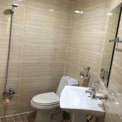 Отель B Motel ванная фото 2