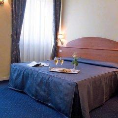 Отель Laura в номере фото 2