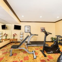 Holiday Inn Express Hotel & Suites Anderson-I-85 фитнесс-зал фото 2