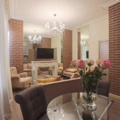 Апартаменты Arbat House Apartments on Bolshaya Nikitskaya в номере
