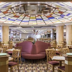 Отель Park Inn by Radisson Berlin Alexanderplatz гостиничный бар