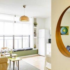 Flower Trail Apartments Израиль, Тель-Авив - 1 отзыв об отеле, цены и фото номеров - забронировать отель Flower Trail Apartments онлайн комната для гостей фото 3