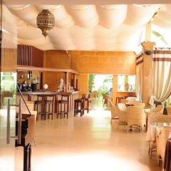 Отель El Oumnia Puerto Марокко, Танжер - отзывы, цены и фото номеров - забронировать отель El Oumnia Puerto онлайн гостиничный бар
