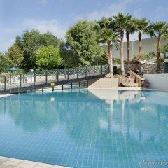 Movenpick Hotel Amman (ex Holiday Inn Amman) бассейн