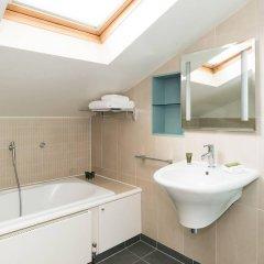 Отель Gorgeous 3BR home near Portobello Road! Великобритания, Лондон - отзывы, цены и фото номеров - забронировать отель Gorgeous 3BR home near Portobello Road! онлайн ванная фото 2