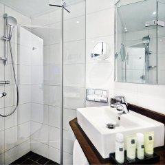 Отель Amsterdam Tropen Hotel Нидерланды, Амстердам - 9 отзывов об отеле, цены и фото номеров - забронировать отель Amsterdam Tropen Hotel онлайн ванная фото 2