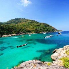 Отель Bungalow Raya Resort пляж