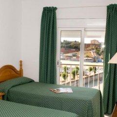 Отель Hostal Isabel Испания, Бланес - отзывы, цены и фото номеров - забронировать отель Hostal Isabel онлайн балкон