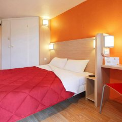 Отель Premiere Classe Paris Ouest - Pont de Suresnes комната для гостей фото 3
