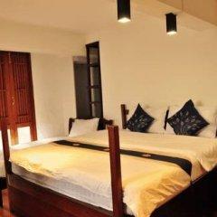 Отель Hi Baan Thewet Таиланд, Бангкок - отзывы, цены и фото номеров - забронировать отель Hi Baan Thewet онлайн комната для гостей фото 4