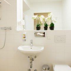 Отель a&t Holiday Hostel Австрия, Вена - 9 отзывов об отеле, цены и фото номеров - забронировать отель a&t Holiday Hostel онлайн ванная