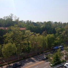 Отель Itaewon Crown hotel Южная Корея, Сеул - отзывы, цены и фото номеров - забронировать отель Itaewon Crown hotel онлайн балкон