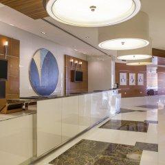 Отель Hilton Dubai The Walk интерьер отеля