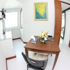 Отель Baan Salin Suites в номере