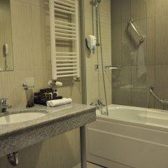 Отель Lucky Bansko Aparthotel SPA & Relax Болгария, Банско - отзывы, цены и фото номеров - забронировать отель Lucky Bansko Aparthotel SPA & Relax онлайн ванная