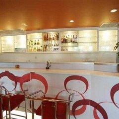 Отель Ratchada Resort and Spa Hotel Таиланд, Бангкок - отзывы, цены и фото номеров - забронировать отель Ratchada Resort and Spa Hotel онлайн гостиничный бар