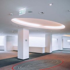 Отель Vienna House Andel´s Berlin Берлин парковка