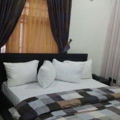 Отель Queen Idia Suites сауна