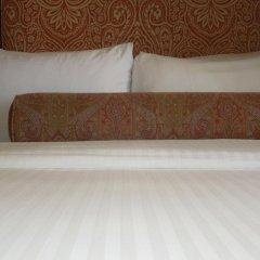 The Henley Park Hotel сейф в номере