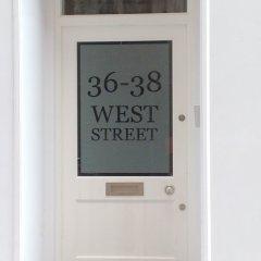 Отель Clarendon West Street удобства в номере фото 2