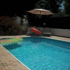 Отель Marinea Beach Villas бассейн