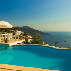 Вилла Serap Турция, Киник - отзывы, цены и фото номеров - забронировать отель Вилла Serap онлайн бассейн фото 2