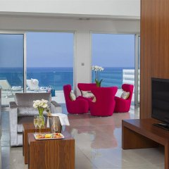 King Evelthon Beach Hotel & Resort комната для гостей фото 3