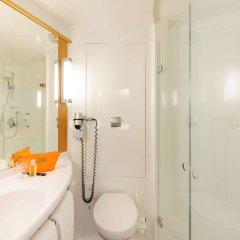 Отель ibis Muenchen City West Германия, Мюнхен - отзывы, цены и фото номеров - забронировать отель ibis Muenchen City West онлайн ванная