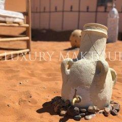 Отель Luxury Maktoub Марокко, Мерзуга - отзывы, цены и фото номеров - забронировать отель Luxury Maktoub онлайн спортивное сооружение