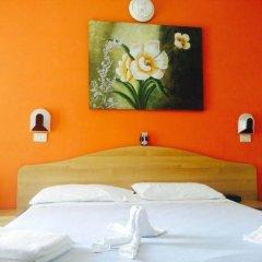 Отель ARLINO Римини сейф в номере