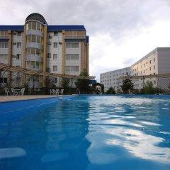 Отель Golden Dragon ApartHotel Кыргызстан, Бишкек - 1 отзыв об отеле, цены и фото номеров - забронировать отель Golden Dragon ApartHotel онлайн бассейн