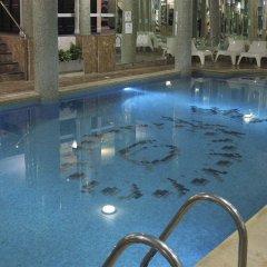 Queens Hotel бассейн