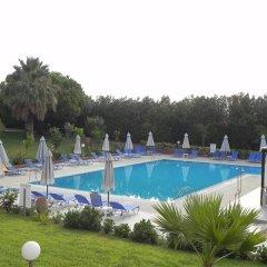 Отель Kalives Resort с домашними животными