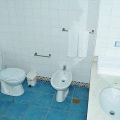 Отель Solar Das Palmeiras Португалия, Виламура - отзывы, цены и фото номеров - забронировать отель Solar Das Palmeiras онлайн ванная фото 2