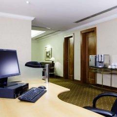 Отель Hilton Sharjah ОАЭ, Шарджа - 10 отзывов об отеле, цены и фото номеров - забронировать отель Hilton Sharjah онлайн удобства в номере