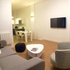 Отель The Blue House - For Friends and Family Париж комната для гостей