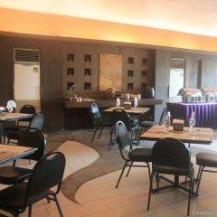 Отель Gran Prix Manila Филиппины, Манила - 1 отзыв об отеле, цены и фото номеров - забронировать отель Gran Prix Manila онлайн гостиничный бар