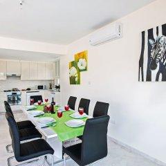 Отель Shaye Frontline Villa Кипр, Протарас - отзывы, цены и фото номеров - забронировать отель Shaye Frontline Villa онлайн питание фото 2