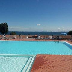 Отель Montecolo Resort Манерба-дель-Гарда бассейн фото 3