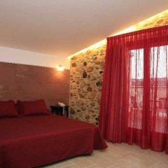 Отель San Carlos сейф в номере
