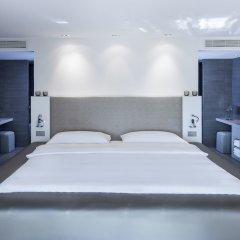 The Mandala Hotel сейф в номере